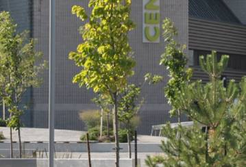 Concrete and nature in harmony at Centennial College