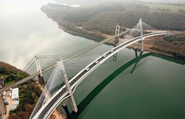 Terenez curved cable-stayed bridge